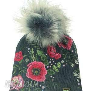 czapka beanie pompon z futra - upominek, czapka, czapa, pompon, kwiaty, urodziny