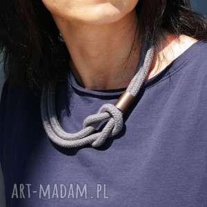 minimalistyczny naszyjnik z liny, na lato, naszyjnik, lina, pleciony