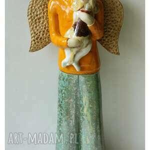 anioł męski z beaglem, ceramika, anioł, pies, beagle