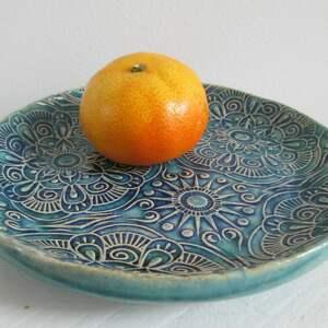etniczny dekoracyjny talerzyk, ceramiczny mały