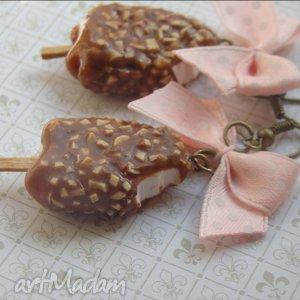 kolczyki lody na patyku z polewą czekoladową i orzeszkami, czekolada, fimo, modelin