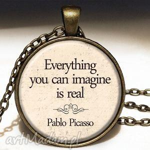 pablo picasso - duży medalion z łańcuszkiem, napisami, prezent