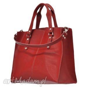 f0546b60fdc98 30-0009 czerwona torebka skórzana z paskiem - Torebki na ramię