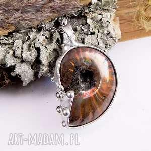 mały wisior z amonitem - amonit, muszla, miedź, cyna, prezent, wisior