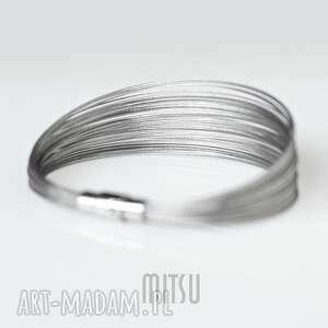 industrial basic, prosta, elegancka, minimalistyczna, srebrna, skromna, neutralna