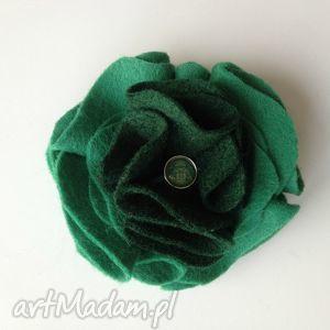 broszki filcowa broszka w odcieniach zieleni, prezent, ozdoba, filc, dodatek