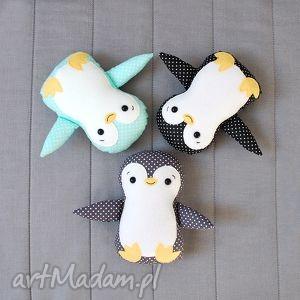 pingwin, pingwinek, maskotka, przytulanka, zabawka, zima, prezent na święta