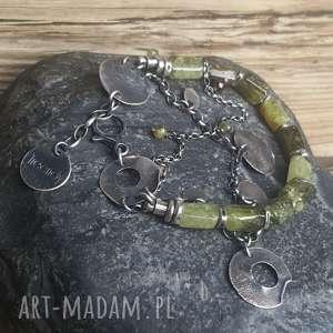 Prezent Bransoletka srebrna z zielonym granatem grossular, bransoletka-srebro