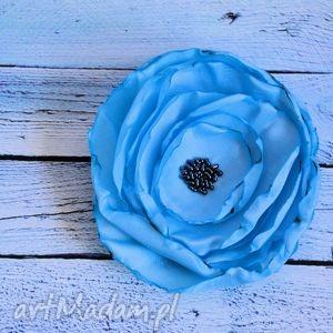 broszka - błękit zamknięty w róży - broszka, róża
