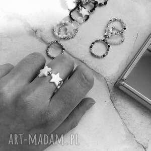 in stones pierścionek - gwiazdki, masa perłowa, perły, biżuteria