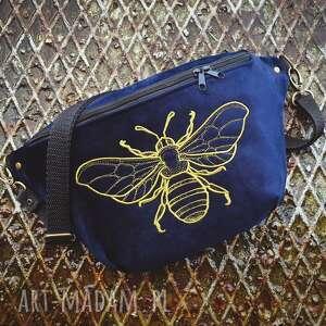 nerka xxl pszczółka, nerka, granatowa, aksamitna, pszczoła, haft