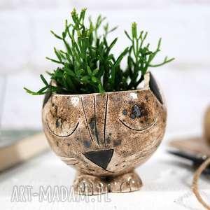 ceramiczna doniczka kot ręcznie robiona i malowana, ceramiczny kot