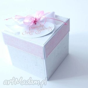 ręcznie wykonane scrapbooking kartki pudełko - niespodzianka - dla dziewczynki na chrzest