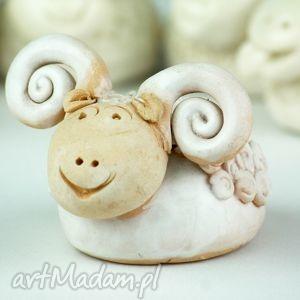 oryginalne prezenty, ceramika wielkanocny baranek, wielkanoc, figurka