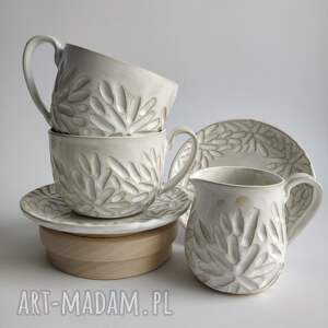 zestaw składający się z dwóch filżanek i dzbanuszka 1, filiżanka do herbaty