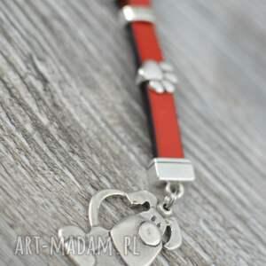 hand-made breloki skórzany brelok do kluczy pies i łapa czerwony
