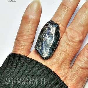 Kianit, kyanit, cyjanit wielki pierścień dla kochającej unikaty