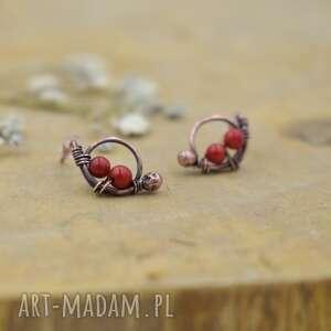 Little red - kolczyki z czerwonym koralem pracownia miedzi