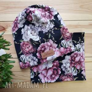 ręczne wykonanie czapki zestaw komin i czapka beanie kolorowe kwiaty