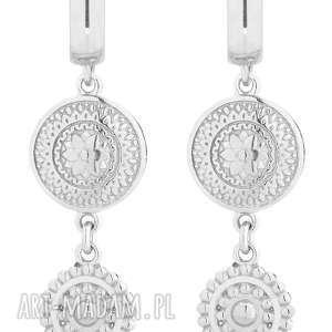 srebrne długie kolczyki z rozetkami - wiszące, stylowe, rozetki