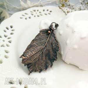 liść leszczyny- naszyjnik z prawdziwym liściem leszczyny - wisior liść
