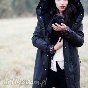 płaszcz zimowy z podpinką czarny - zimowy, kaptur, futerko, podpinka, jedwab