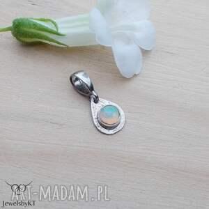 pastelowa kropelka opalu - wisior, srebrny wisiorek, srebrna zawieszka