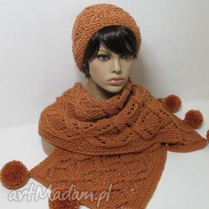 duży ażurowy szal i czapka - szal, ażurowy, pompony, czapka