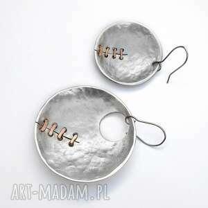 Kolczyki z aluminium i miedzi ręcznie szyte; langner design kute