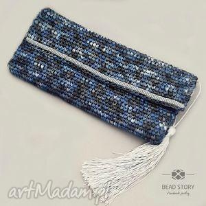 kopertówka z rafii w melanżu niebiesko szarym, torebka, fafia, chwost, koraliki