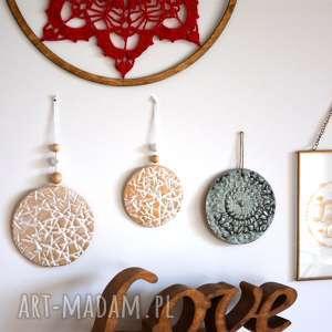 2 ceramiczne wisiory, wisior, zawieszka, ceramiczna, wisiorek, kafel, dekor