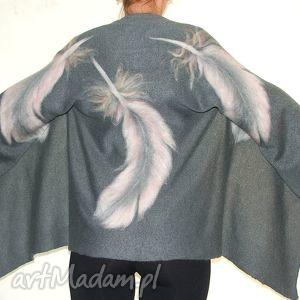 narzutka wełną zdobiona, handmade, filcowanie, piórka, prezent, wełna, pióra poncho