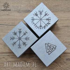 Zestaw prezentowy Wiking I: 3 małe drewniane pudełka z runami, wiking, wikingowie