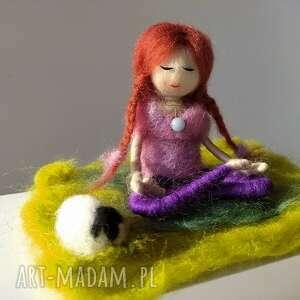 medytacja yoga yoginka oliwia z angelitem na szyji kolekcja - miedziany