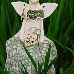 ceramika ceramiczny anioł personalizowany, pamiątka dla dziecka, wiszący