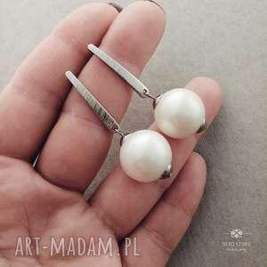Kolczyki z perłą kremową, metal, perła, majorca, klasyka, sztyfty, wkrętki