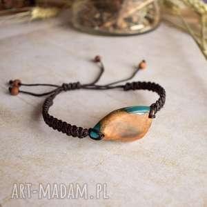bransoletka z drewna i turkusowej żywicy, biżuteria unisex, dla niej