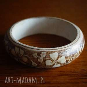 kwietna bransoletka - ręczne wypalana drewniana bransoletka