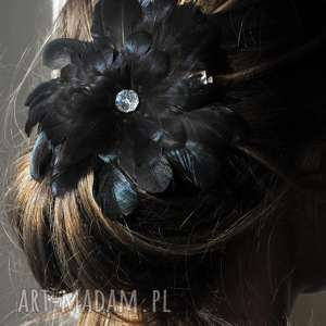 ręcznie robione ozdoby do włosów fascynator / broszka z piór,,czarna elegancja