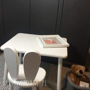 białe meble dziecięce stolik i krzesełko królik, białe