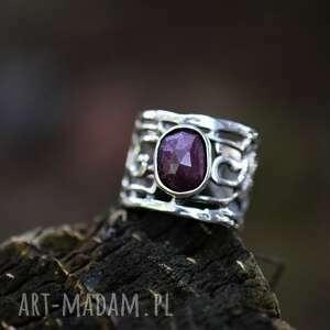 regulowany pierścień z rubinem naturalnym, regulowana obrączka, ażurowy