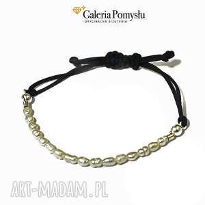 Perełki, perły, bransoletka, minimalizm, sznurek
