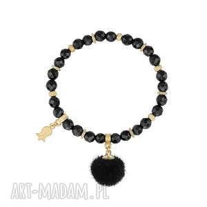 bransoletka z onyksów z czarnym pomponem - futerko, prezent