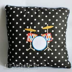 Poduszka z perkusją, perkusja, dziecko, chłopczyk, gwiazda, muzyka, rock