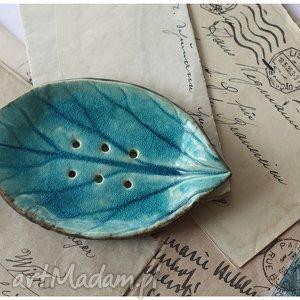 Mydelniczka lazurowa, mydelniczka, ceramika, liść