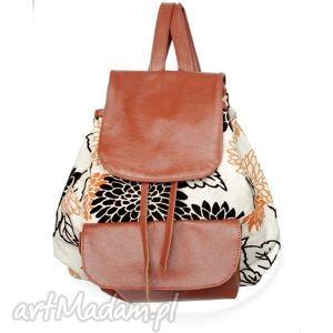 39-0001 wielobarwny damski plecak turystyczny / szkolny młodzieżowy redpoll