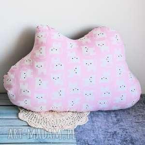Maly Koziolek - poduszka dziecięca - różowa chmurka w kociaki kotek dziecko dziewczynka