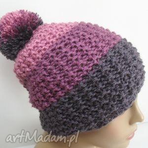 trójkolorowa czapka z pomponem - czapka