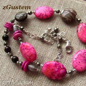 handmade naszyjniki howlit różowy