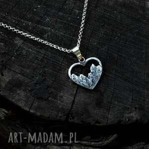 naszyjnik z górami w kształcie serduszka, góry, srebro, biżuteria